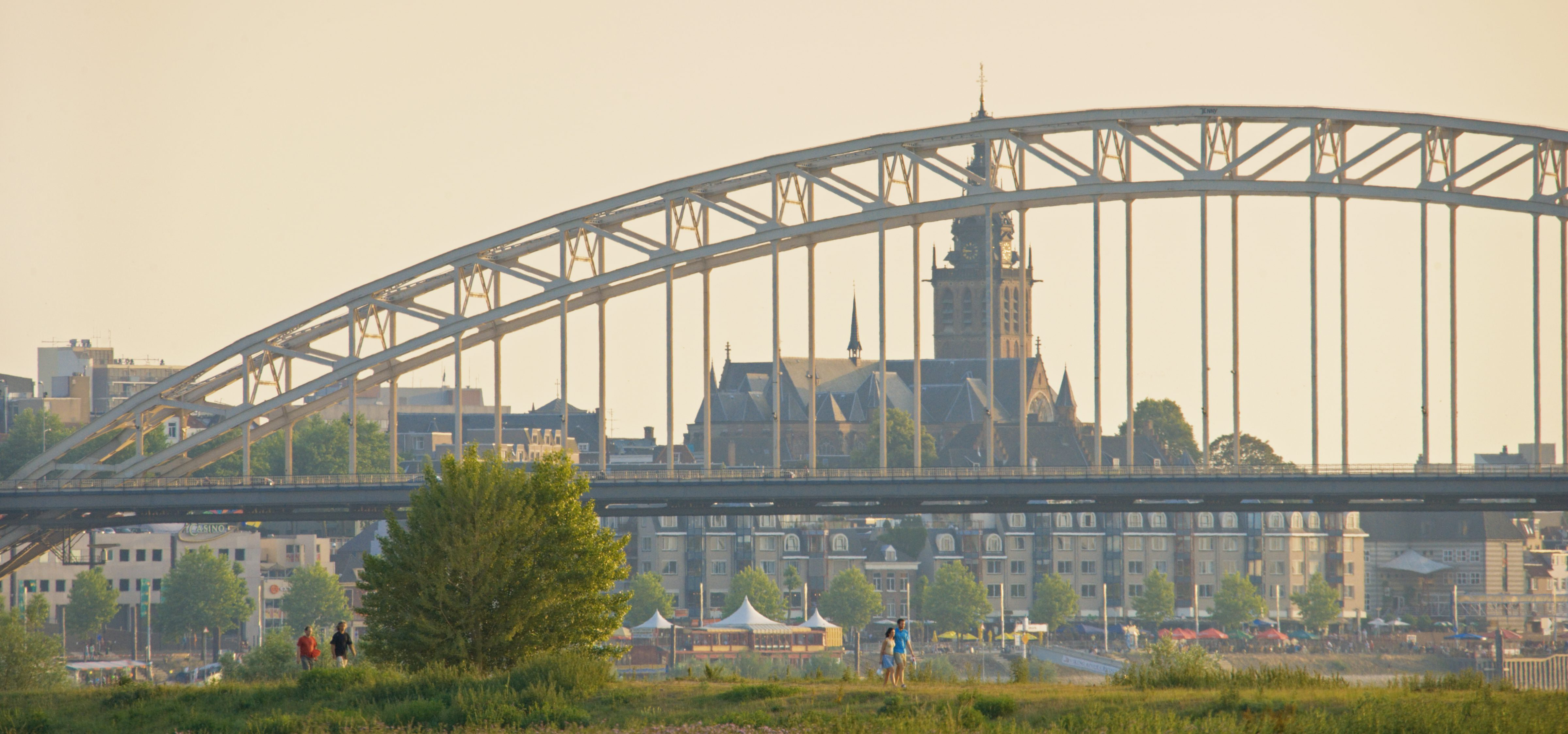 Netherlands, Nijmegen. View from the Ooijpolder towards the 'Waalbrug' bridge and the city of Nijmegen.